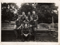 Men from 297 Fieldpark Coy, Royal Engineers, whilst stationed at Gilford Castle, Co Down. Frank Melville (Dundee) left of photo. (1943)