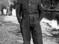 Stan Jeynes who was billetted in Gilford with the Royal Artillery during 1944, had already survived the Dunkirk evacuation in 1941. Stan served with a number of different regiments. Whilst in Gilford he met and married Annie Burns and after the war ended they set up home in Gilford.