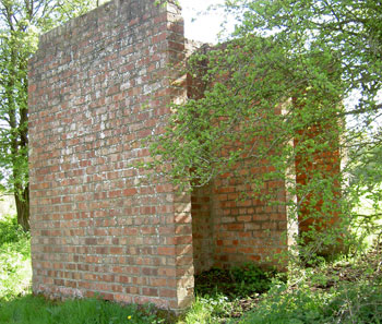 Remains of Toilet Block in grounds of Gilford Castle